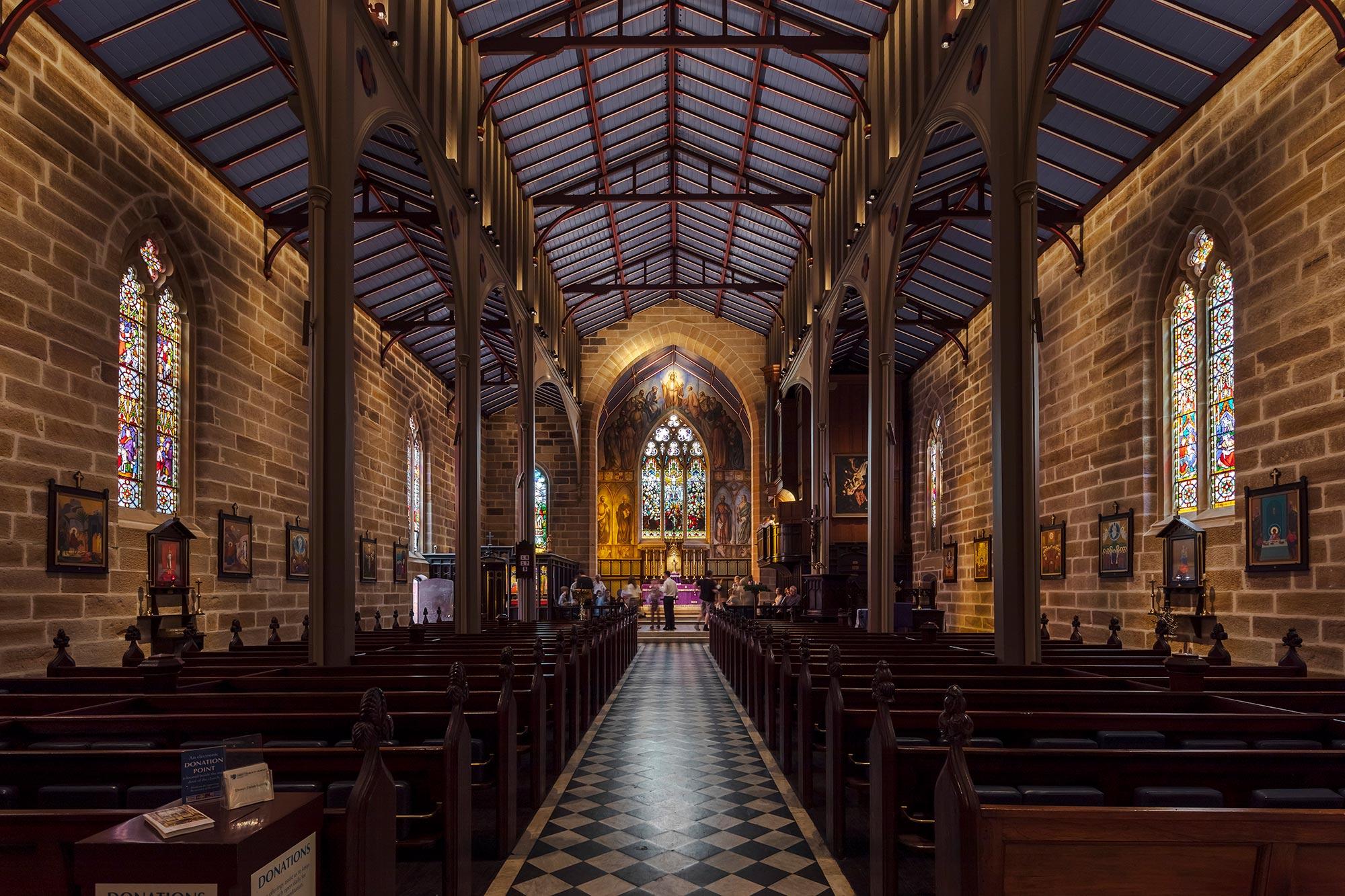 0008 church 2000x1333